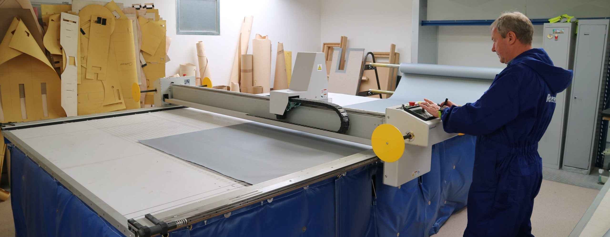 Flexible insulation CNC ply cutting machine