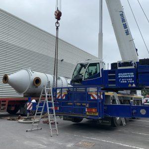 Thermal cracker vessel, refractory lining, crane lift