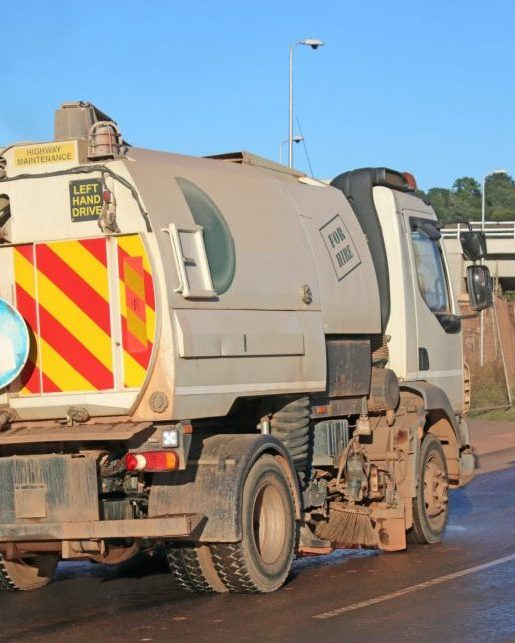 Industrial cleaning road sweeper