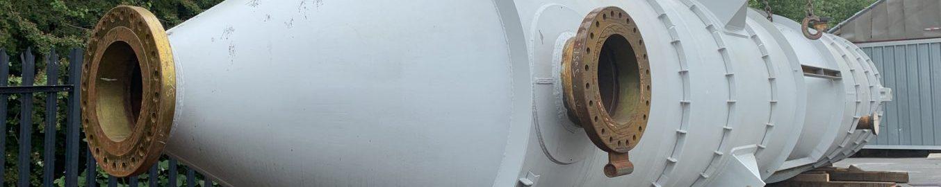Refractory lining thermal cracker vessel