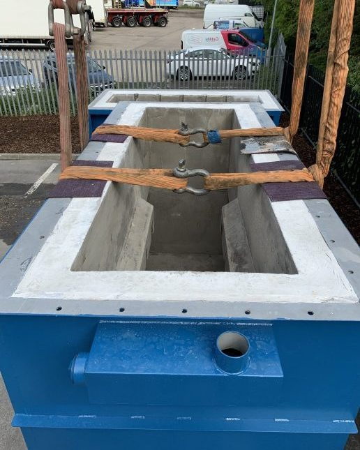Refractory lining incinerator
