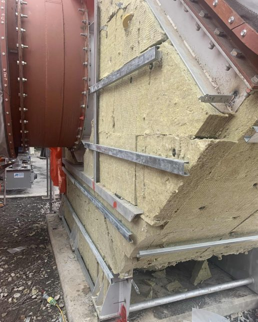 Cladding support system thermal insulation